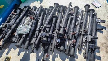 Egész hadseregre elég fegyverarzenált foglaltak le az amerikaiak Szomália partjainál