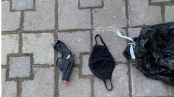Fia játék pisztolyával ment rabolni egy szigetszentmiklósi férfi
