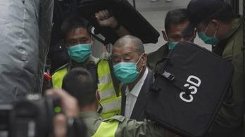 Újra letartóztatták a hongkongi médiamogult, miközben börtönben ült