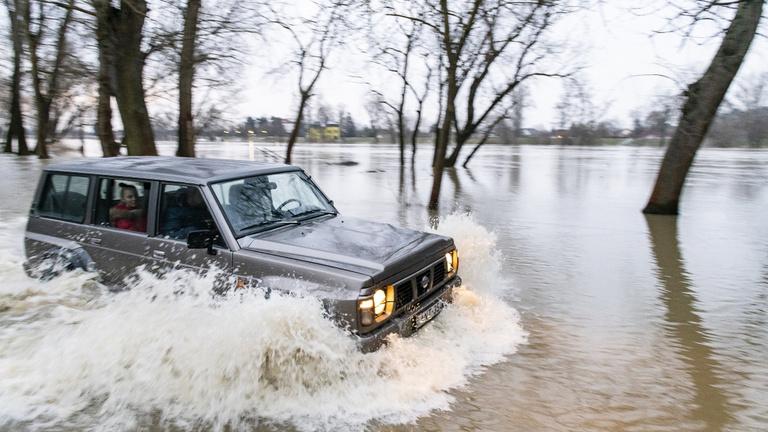 Árvíz és belvíz keseríti a Tisza mentiek életét