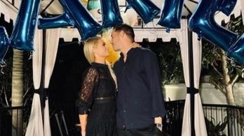 Házasodik Paris Hilton
