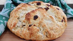 Szarvasgombaolajjal még izgalmasabb lesz ez a pofonegyszerű, sütőporos kenyér