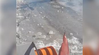 Új hungarikumot szült a szükség: itt a jégtörő hókotró