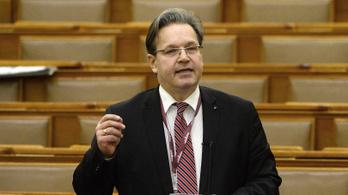 Vejkey Imre: szembe mennek a bírák a keresztény értékekkel
