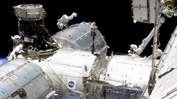 Kézi vezérléssel ért az űrállomásra egy teherűrhajó