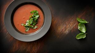 Sültparadicsom-leves olasz hangulatban