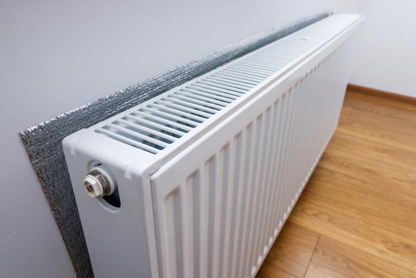 4 hasznos eszköz, ami segít, hogy melegebb legyen a lakás: a hideg fal is igazi pénznyelő