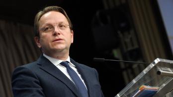 Kikerült Ukrajna ellenségei közül a magyar uniós biztos