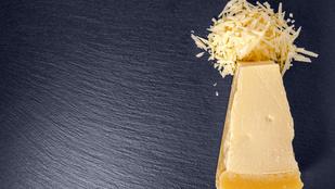 A csilis parmezáncsipszet akár a gyerekek is könnyen elkészíthetik