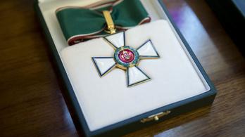 Áder János kitüntette a rodostói főpolgármestert