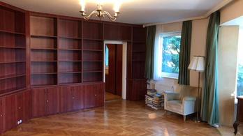 Demszky Gábor bérlőt keres budakeszi lakásába