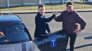 Lakatos Márk Gryllus Dorkáék esküvője óta nem vezet, de most autómárka-nagykövet lett