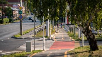 Háromszázmilliós beruházásból épül bicikliút Pécsett