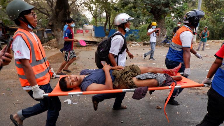 Éles lőszerrel lőttek rendőrök tüntetőkre Mianmarban, többen meghaltak