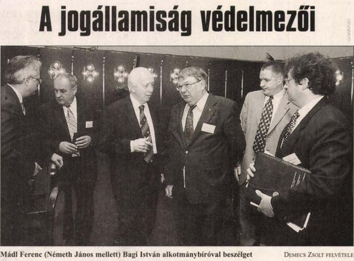 Népszava 2001