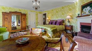Másfél milliárd forintért megvásárolhatja John Travolta 42 szobás villáját