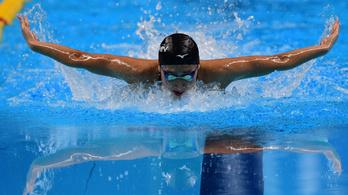 Indulhat az olimpiai selejtezőjén a leukémiával kezelt úszónő