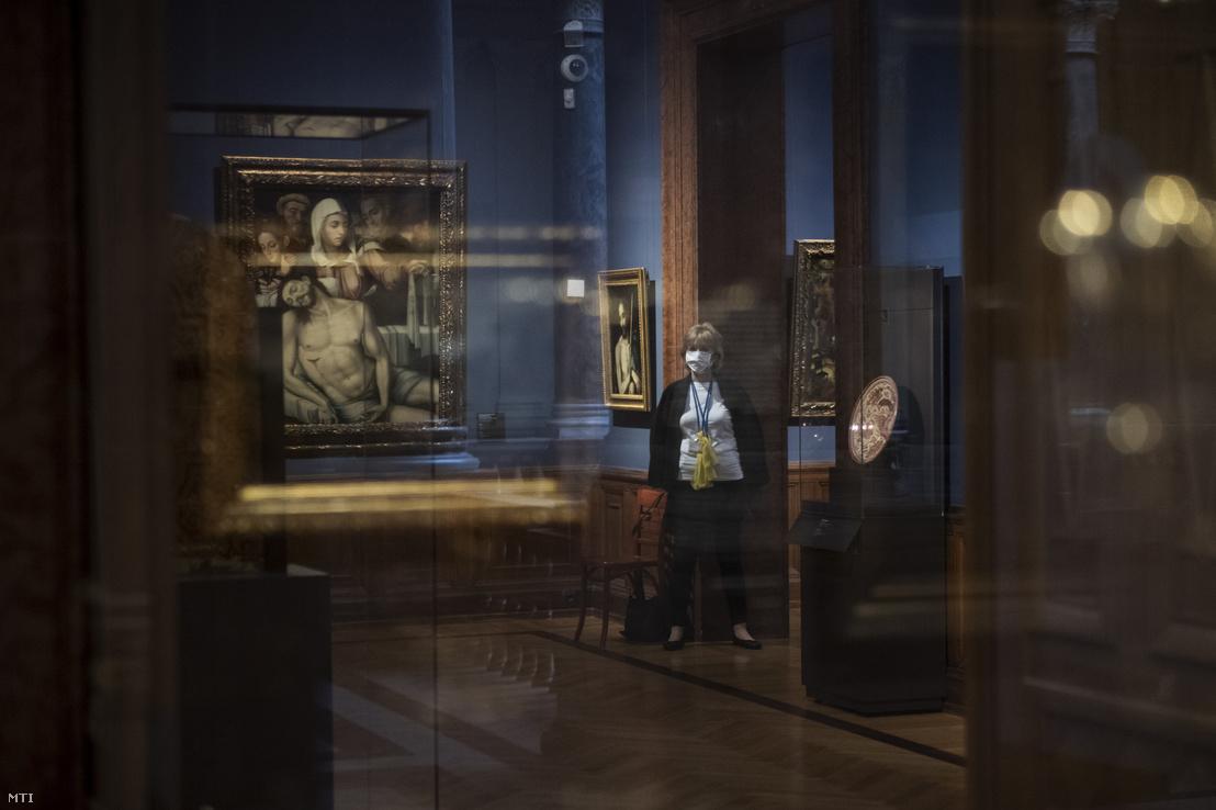 Teremőr a Szépművészeti Múzeumban
