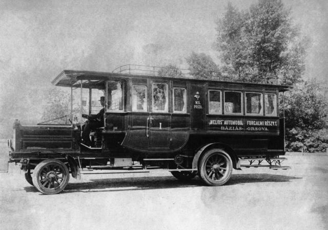 A Helios Autoforgalmi Tr. által üzemeltetett Büssing autóbusz (Zsuppán-gyűjtemény)