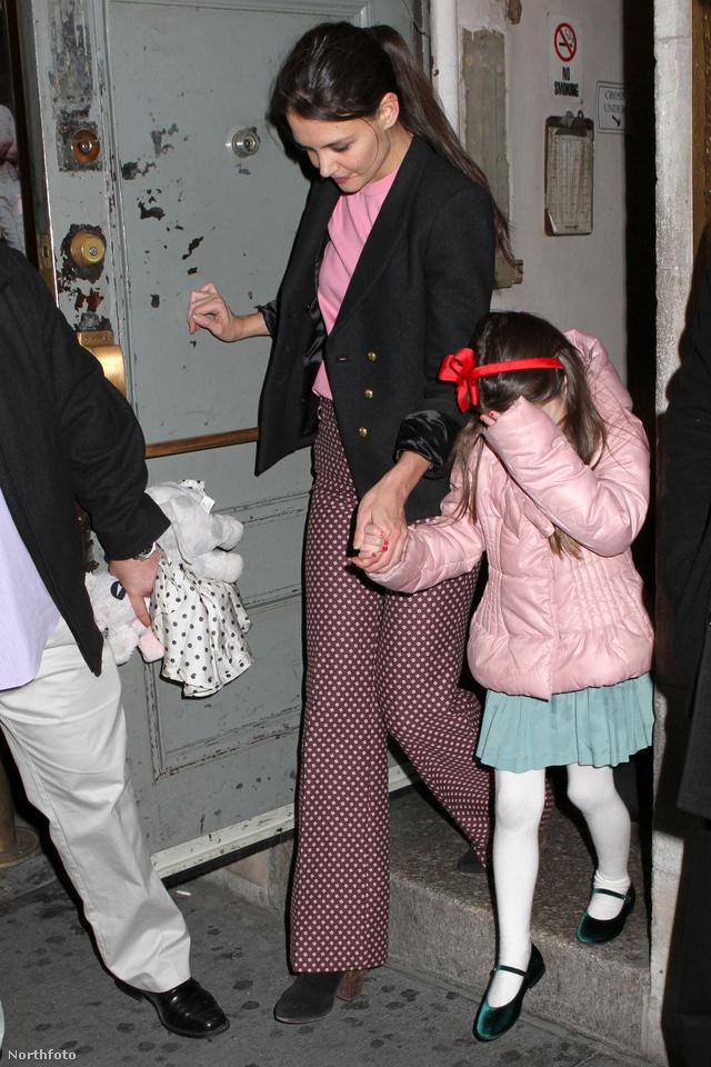 Suri Cruise és Katie Holmes december 15-én New Yorkban