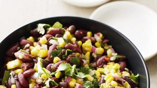 Ez az izgalmas mangó-feketebab-kukorica saláta szárnyasok mellett a legfinomabb