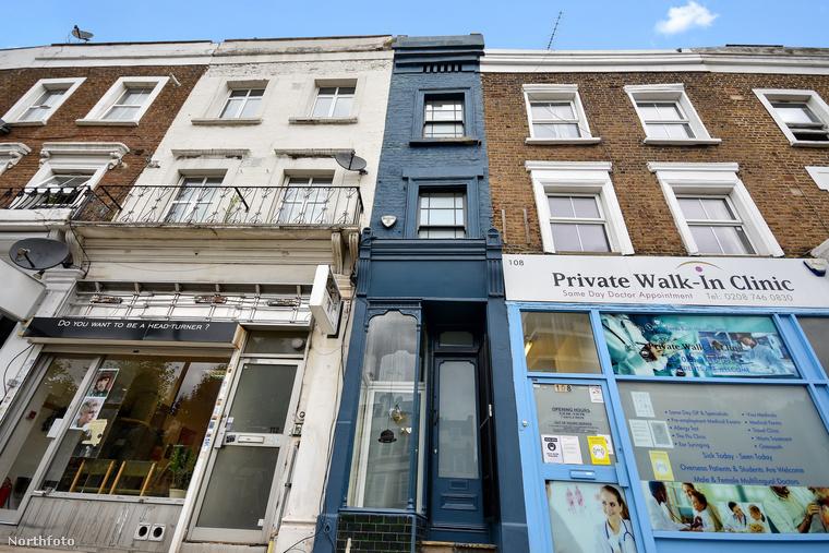 Két méter széles sincs London legkeskenyebb házának kikiáltott épülete, amit most eladásra kínálnak