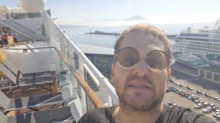 Lakatos Márk mediterrán hajóúton van, de nem engedték őket kiszállni Nápolyban és más hírek