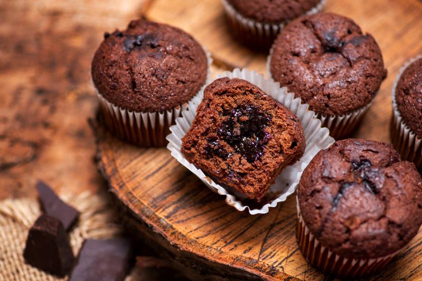 Csupa csokis muffin lekvárral töltve: villámgyorsan elkészül