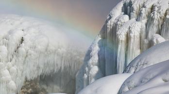 Téli csodavilággá változott a Niagara-vízesés