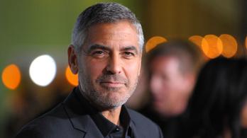 Mos, mosogat és hajat vág George Clooney a járvány idején
