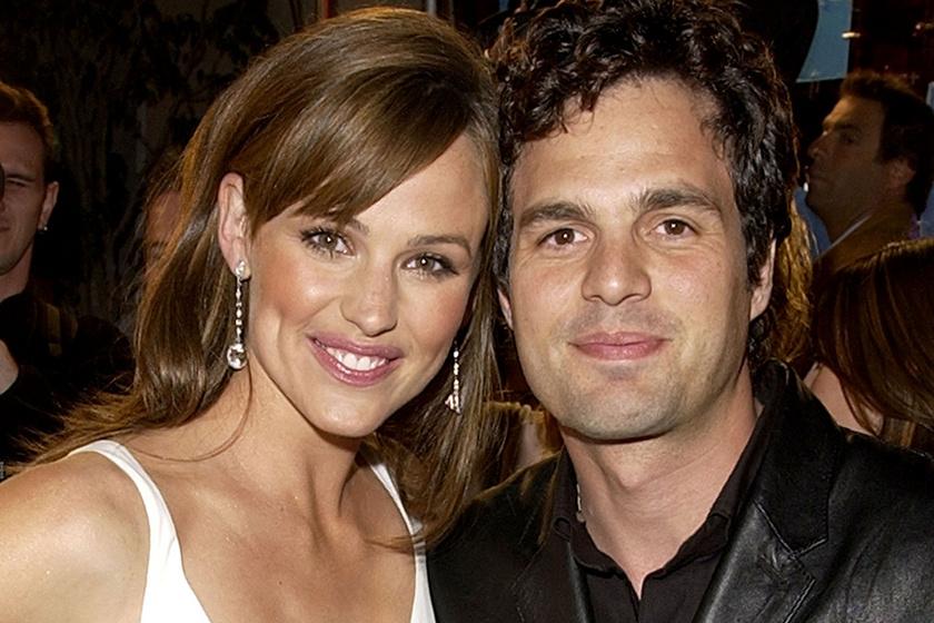 Jennifer Garner és Mark Ruffalo friss fotója láttán olvadoznak a rajongók: képeken a filmes párosok újraegyesülései