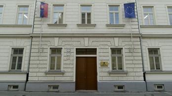 Nem kedvez a magyaroknak a szlovák állampolgársági törvény módosítása