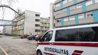 Bajban a nyíregyházi kórház is, fel akarnak állni az orvosok