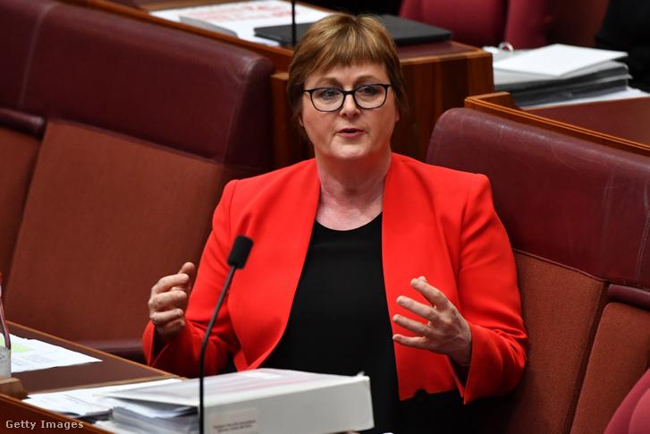 Linda Reynolds szenátor a Kérdések óráján a képviselőházban 2021. február 22-én