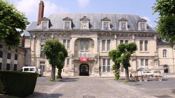 Megtalálták a francia koldusbörtön teniszpályáját