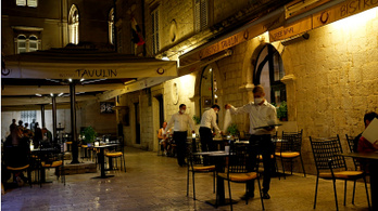 Horvátországban már nyithatnak az éttermek és kávézók teraszai