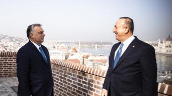 Orbán Viktor a gazdaság újraindításáról is tárgyalt a török külügyminiszterrel