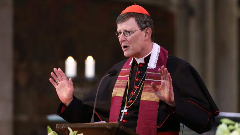 Újabb pedofil ügyek gyengítik a német katolikus egyház hitelét