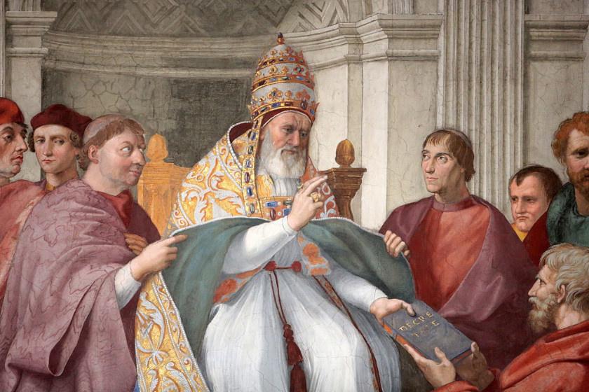A Smithfield dekretáliák IX. Gergely pápa dekretáliáinak egyik, 14. századi másolata. Szövegeit a középkori jogi tanulmányok tankönyveként alkalmazták. Raffaello alkotásán (1511) azt ábrázolta, ahogyan épp a gyűjtemény megszületését ünneplik.