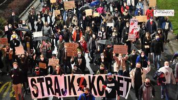 Heves vihart kelthet az abortusztörvény felülvizsgálása Magyarországon is