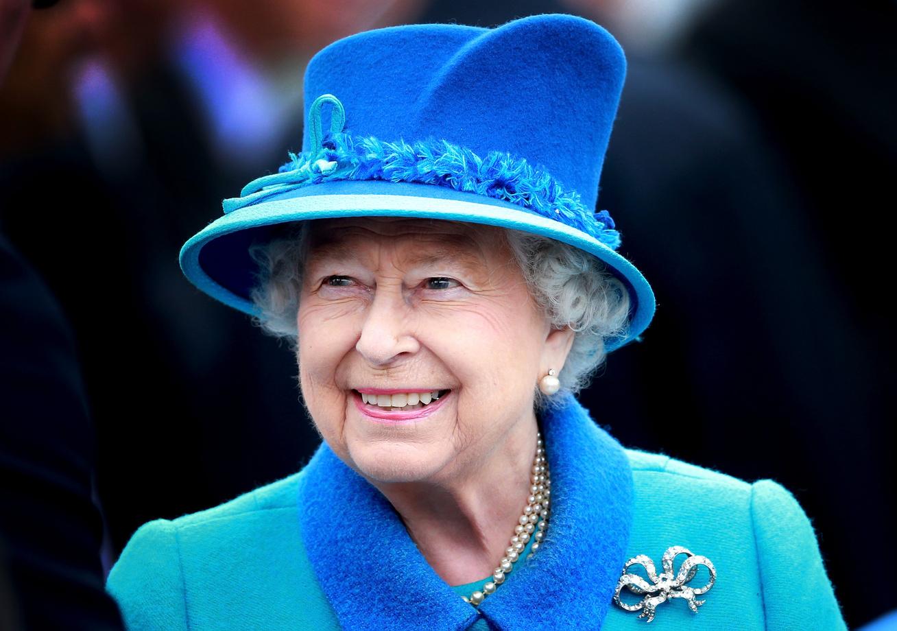erzsébet királynő cover