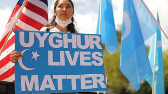 Hollandia is népirtásnak minősítette az ujgurokkal szembeni kínai bánásmódot