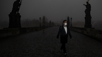 Csehországot kezdi maga alá temetni a járvány
