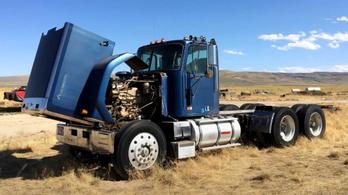 Egy világ háta mögötti farmon találták meg a Knight Rider kamionját