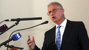 Ha kizárják a Fideszt, Trócsányi László perelné az Európai  Néppártot