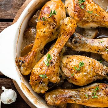 Sütőben sült, fokhagymás csirkecombok – Az írós páctól omlós lesz a hús