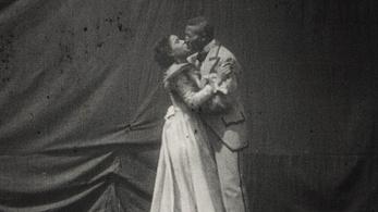 Az első afroamerikai csókjelenet új változata került elő Norvégiában