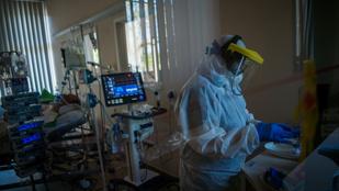 Csaknem ötezer embert fertőzött meg a koronavírus egy nap alatt