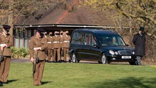 Eltemették a 101 évesen elhunyt Tom századost