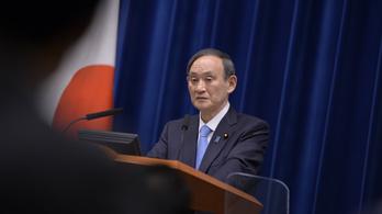 Lemondott a japán kormány sajtóreferense, mert a miniszterelnök fia őt is megvendégelte